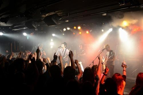 ROCK'A'TRENCHの対バン・イベントの東京公演を開催 (c)Listen Japan