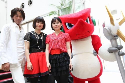 『デジモン』の新主題歌に起用されたtwillがCD発売記念無料ライブを開催 (c)Listen Japan