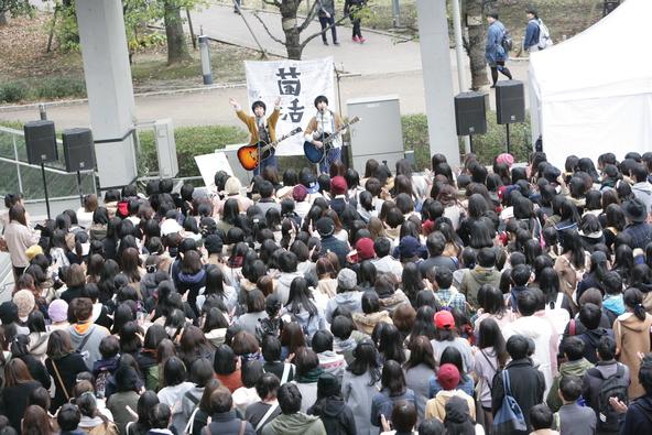 11月27日@ダイバーシティ東京プラザ フェスティバル広場 (okmusic UP's)