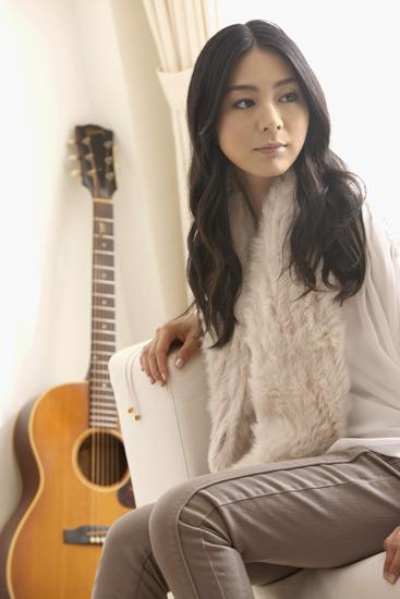 亀田誠治がプロデュースしたニューシングルをリリースする植村花菜 (c)Listen Japan