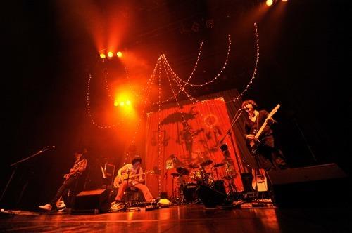 特典満載のライヴDVDを発売するsleepy.ab (c)Listen Japan