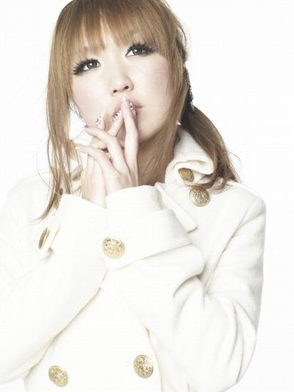 ジョルジョ・カンチェーミのプロデュースでメジャーデビューするDear (c)Listen Japan