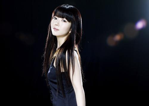 声優、歌手、ピアニストとして活躍する牧野由依 (c)ListenJapan