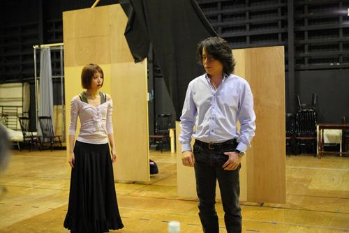 ミュージカル『嵐が丘』より、河村隆一、平野綾の稽古風景 (c)ListenJapan