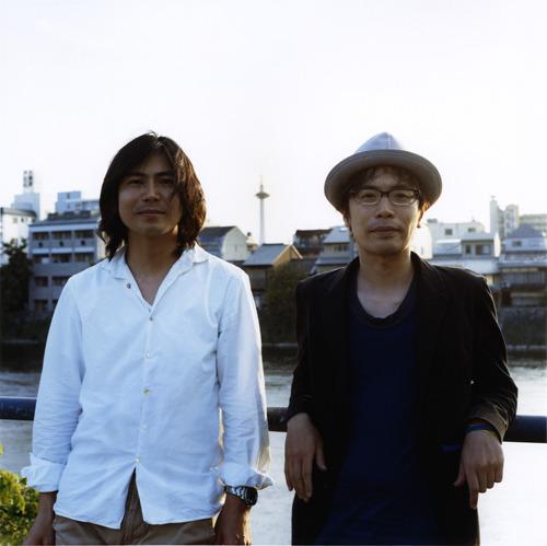 連名で新メンバー加入を発表したくるりの岸田と佐藤 (c)Listen Japan