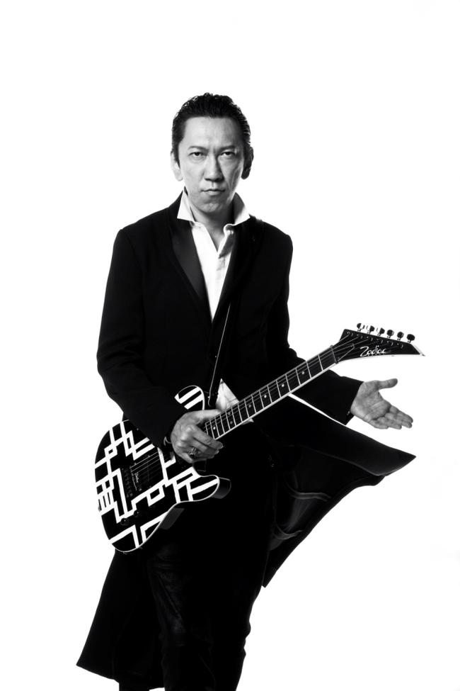 全15組のアーティストが参加した30周年記念アルバムを発売する布袋寅泰 (c)Listen Japan
