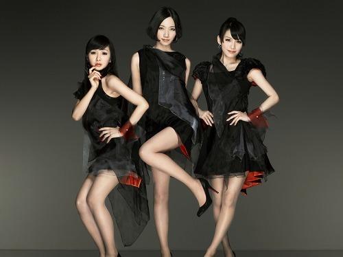 映画『カーズ2』の挿入歌に「ポリリズム」が起用されたPerfume (c)Listen Japan