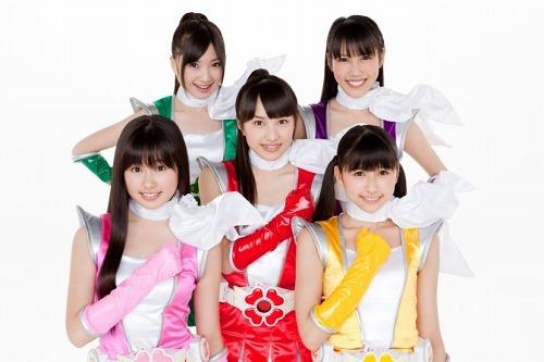 特典満載の1stアルバムをリリースする ももいろクローバーZ (c)Listen Japan