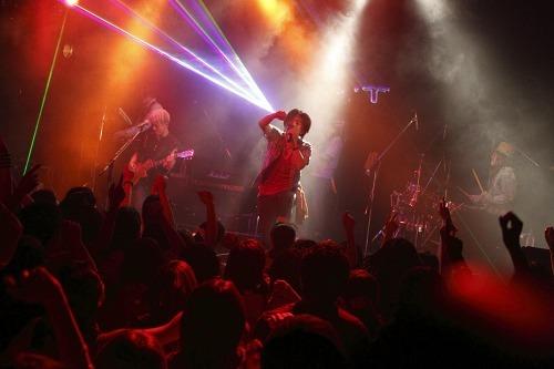 前作から約2年ぶり、2ndアルバムのリリースを発表したROCK'A'TRENCH (c)Listen Japan