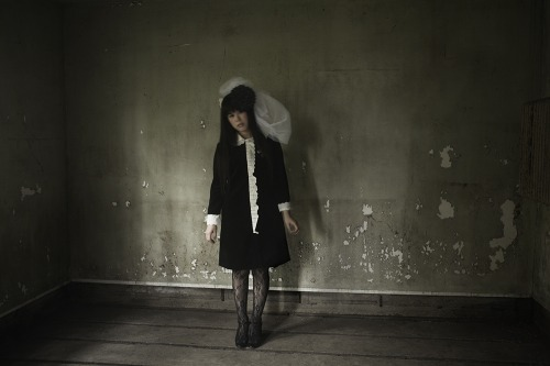 やくしまるえつこが大編成の演奏陣を従えたソロプロジェクトを始動 (c)Listen Japan