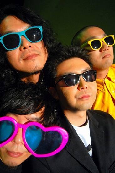 心斎橋CLUB QUATTRO閉鎖直前にライヴを開催するZAZEN BOYS (c)Listen Japan