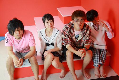 発売目標を達成し新作『8月32日へ』の発売が決定した神聖かまってちゃん (c)Listen Japan