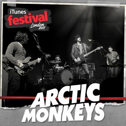 アークティック・モンキーズが英iTunesフェスのライヴEPを配信リリース (c)Listen Japan