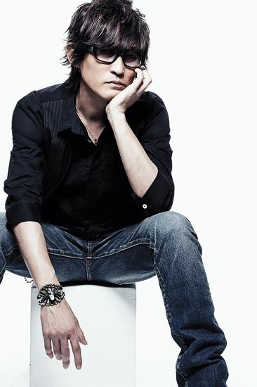 スガ シカオ、桜井和寿との初コラボ曲を先行配信 (c)Listen Japan