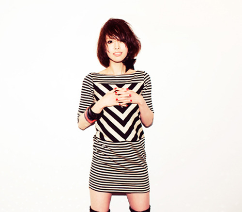 タワーレコード2店舗でインストア・イベントを行うMAGIC PARTY (c)Listen Japan