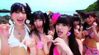アフィリア・サーガ・イースト「La*La*Laラボリューション」PVより (c)ListenJapan