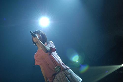 デビュー13周年の記念日にNHKホールでライブを行ったaiko (c)Listen Japan