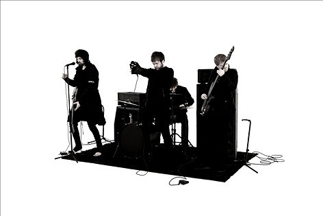 9月発売の4thアルバムからリード曲のPVを公開したUKのバンド、カサビアン (c)Listen Japan