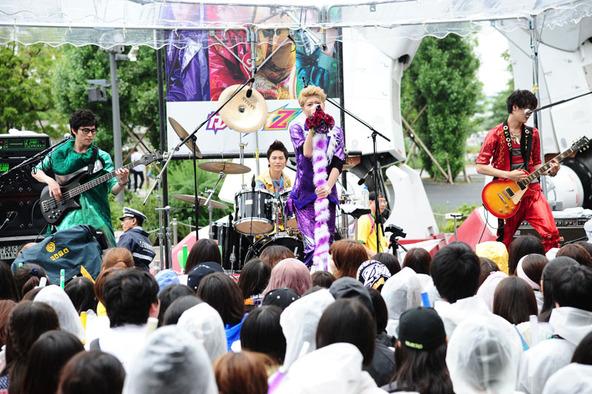 カスタマイZ、フリーライブ@ダイバーシティ東京(2) (okmusic UP's)
