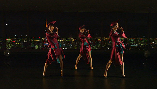 Perfumeからのバレンタインは東京タワーと夜景バックに「TOKYO GIRL」「チョコレイト・ディスコ」