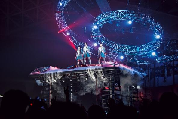 『Perfume 6th Tour 2016「COSMIC EXPLORER」』メインビジュアル (okmusic UP\'s)