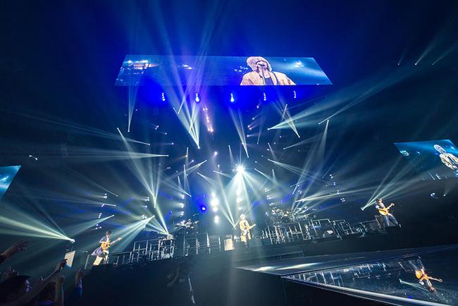 RADWIMPS、多幸感に満ちた全国ツアーがマリンメッセ福岡よりスタート!