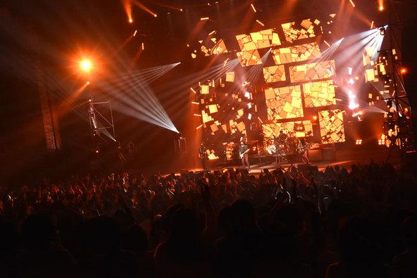 "『SPITZ JAMBOREE TOUR 2016 ""醒 め な い""』より (okmusic UP's)"