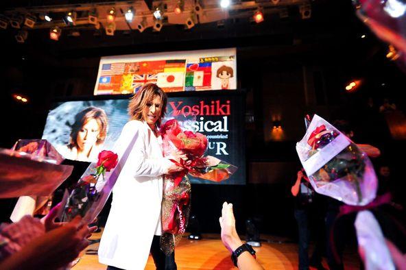 YOSHIKI のワールドツアー最終公演が 6月17日に大阪The Symphony Hallで行われた。 (okmusic UP\'s)