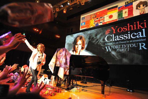 YOSHIKI のワールドツアー最終公演が 6月17日に大阪The Symphony Hallで行われた。 (okmusic UP's)