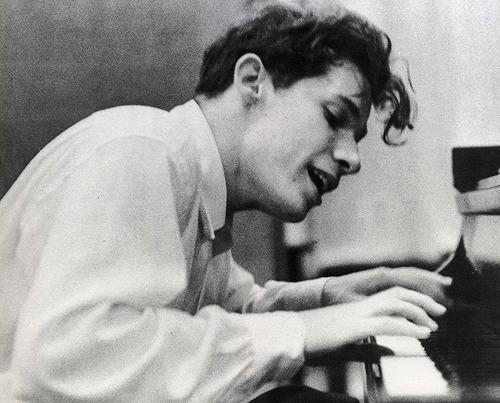 映画『グレン・グールド 天才ピアニストの愛と孤独』公開記念トークイベント二夜連続開催決定