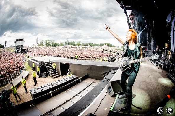Crossfaithが「DOWNLOAD FESTIVAL 2014」メインステージに出演! (okmusic UP's)
