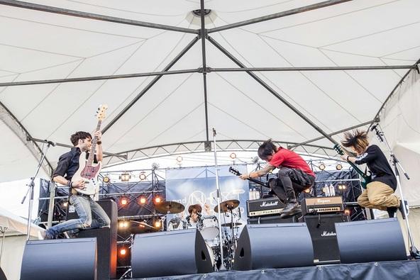 4月8日@キャッセン大船渡・モール&パティオ(MONOEYES) (okmusic UP's)