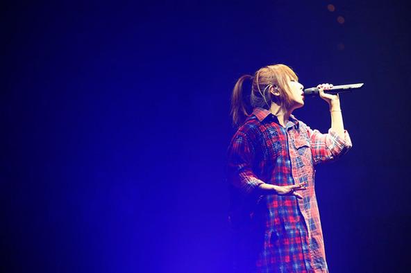 aiko「Love Like Pop vol.16.5『15周年、本当にありがとうございまし』」大阪・大阪城ホール、9月6日公演より (okmusic UP's)