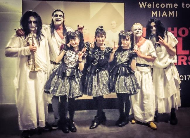 BABYMETAL、レッチリのUSツアーにてメンバーと「ギミチョコ!!」を披露