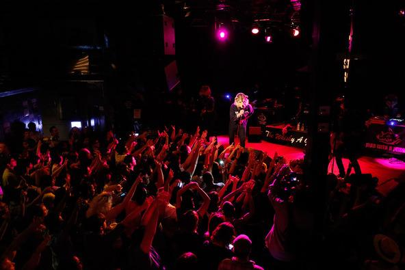 7月10日(日本時間 7月11日)@ロサンゼルス・Whisky a Go Go (okmusic UP's)