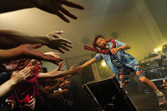 『桑田佳祐のやさしい夜遊び  ~夏にサザンないの!? いいかげんに 1000 回!! ファンやめたるわ!! 生歌ライブ~ 』 (okmusic UP's)