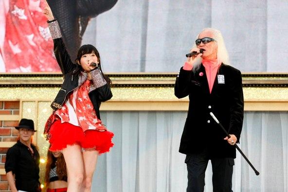 HKT48アリーナツアー「可愛い子にはもっと旅をさせよ」に内田裕也がサプライズ出演 (okmusic UP's)