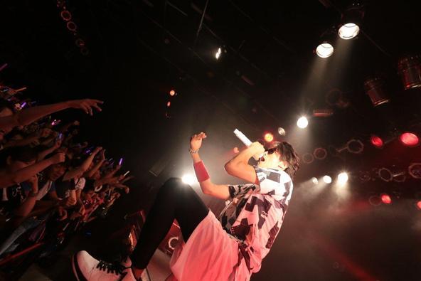 Hilcrhyme、デビュー記念日に地元・新潟のライブハウスで一夜切りのライブを開催 (okmusic UP's)