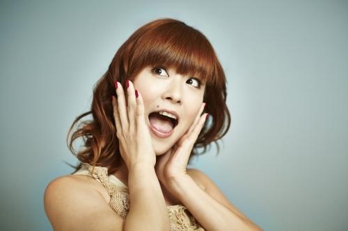 デビュー20周年記念シングルをリリースする三重野瞳
