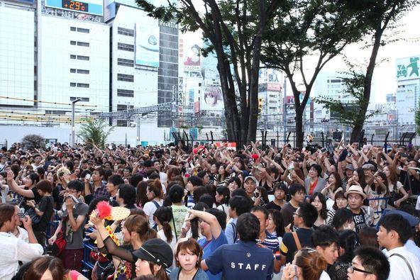 8月17日(日)@東京・新宿アルタ前広場(新宿ステーションスクエア) (okmusic UP's)