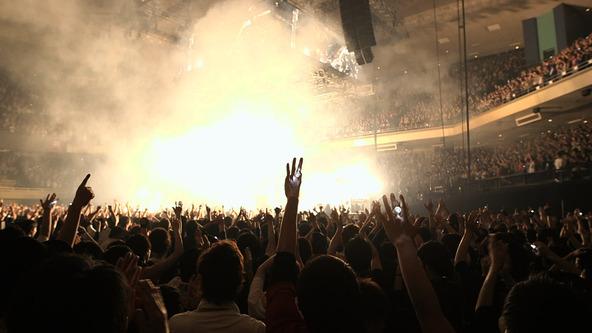 「UVERworld KING'S PARADE Nippon Budokan」より (okmusic UP's)