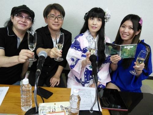 (写真左より)宮路一昭、菊田裕樹、川村万梨阿、鎌田美沙紀