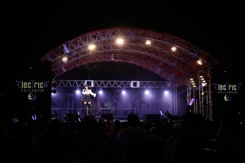 日本初の大規模エレクトリックハロウィンイベントに出演した藍井エイル