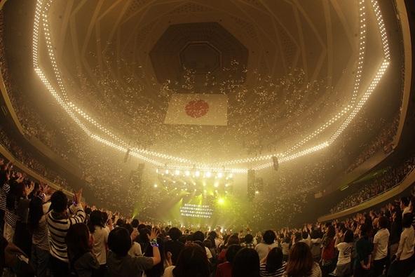 11月28日@東京・日本武道館 (okmusic UP's)