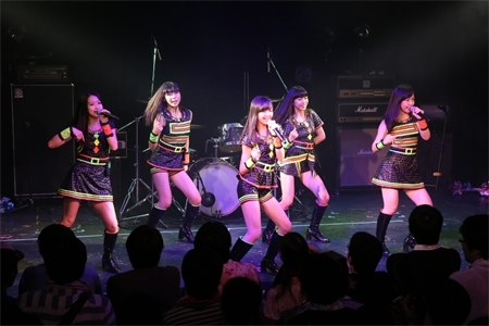 『あにこん!the beginning』にはイメージソングを提供している東京女子流のライブの模様 (okmusic UP\'s)
