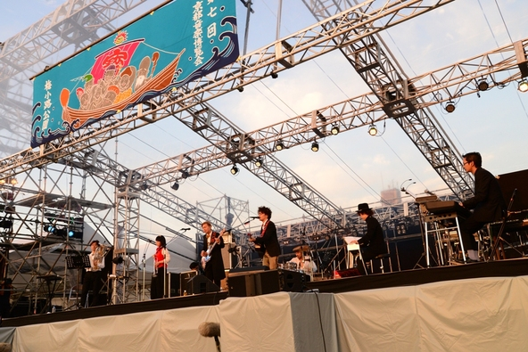 9月22日@「京都音楽博覧会2013 IN 梅小路公園」 photo by 久保憲司 (okmusic UP\'s)