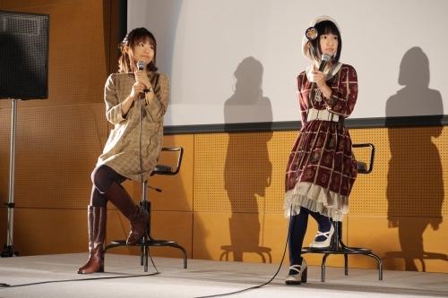 『劇場版 魔法少女まどか☆マギカ [新編]叛逆の物語』大阪芸術大学トークイベントに登壇した悠木碧(右)と斎藤千和 (C)Magica Quartet/Aniplex・Madoka Movie Project Rebellion(okmusic UP\'s)