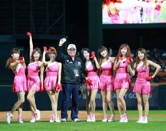 11月8日@2013 BASEBALL CHALLENGE「日本 VS チャイニーズ・タイペイ」戦 (okmusic UP\'s)