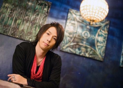初のアルバム『THE BEST ELEMENTS』をリリースする谷本貴義