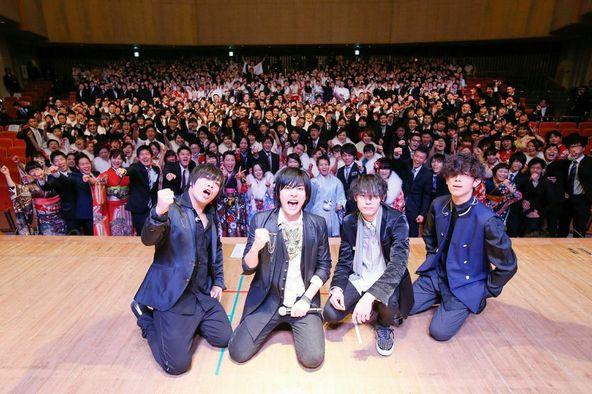 1月12日に地元、大阪松原市の成人式でサプライズLIVE (okmusic UP\'s)
